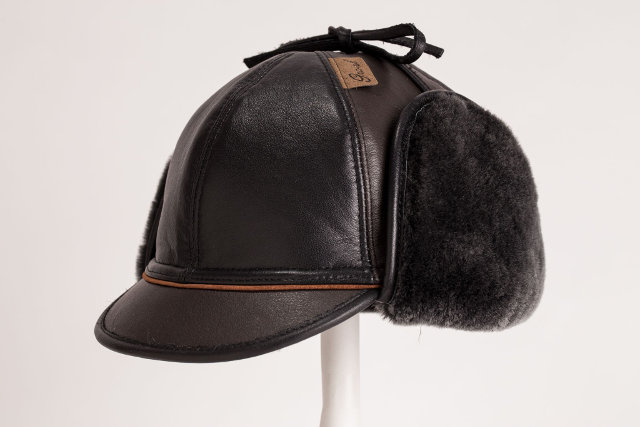 Cap in leather brisa black -