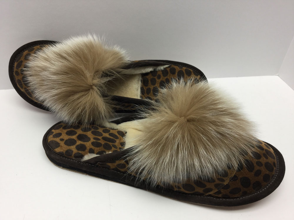 Mules, suede print leopard, with fox